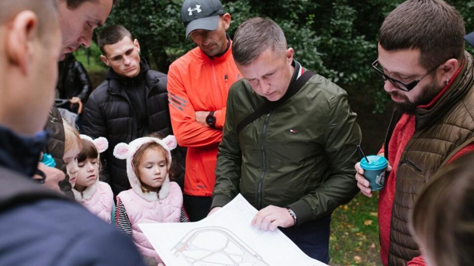 «Обов'язково зробимо!» – Андрій Разумовський взявся змінити парк за РАЦСом