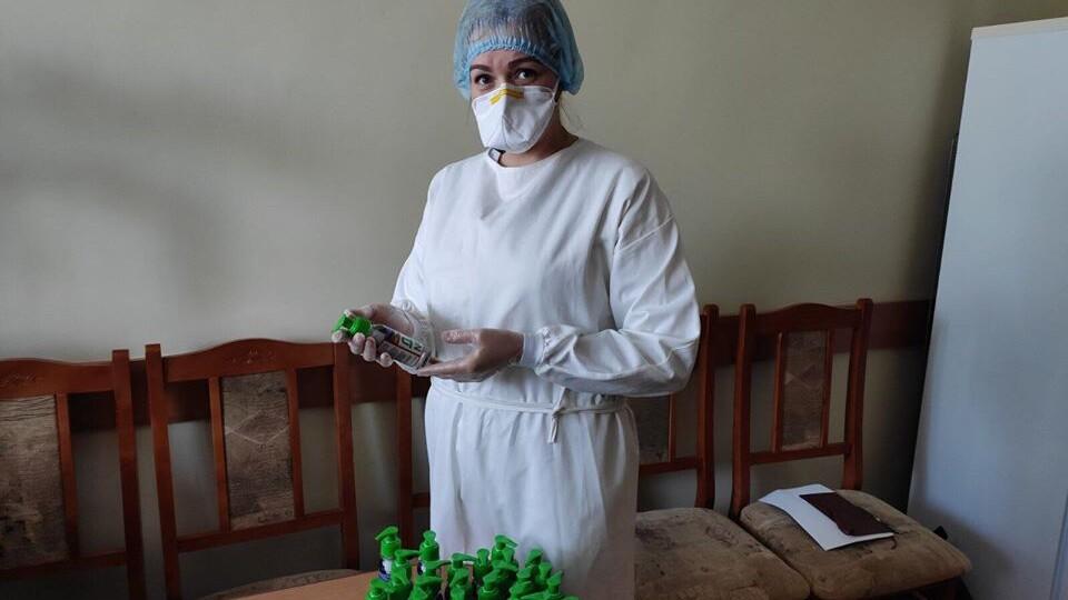 Луцька міська лікарня отримала понад тисячу антисептиків для рук
