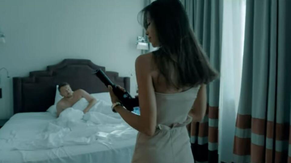 Положинський знявся у новому кліпі в стилі «містера і місіс Сміт»