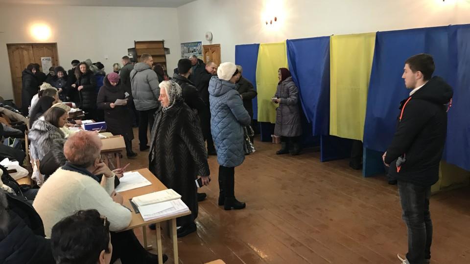 Фанклуб опоблоку та «королева спецдільниць Юля»: як і за кого голосували у Луцьку