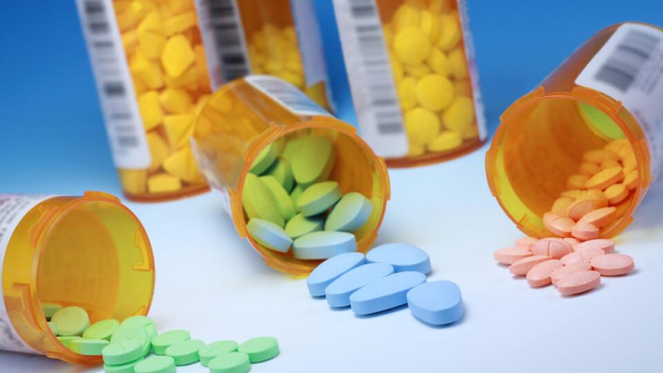 Рада заборонила продаж ліків підліткам