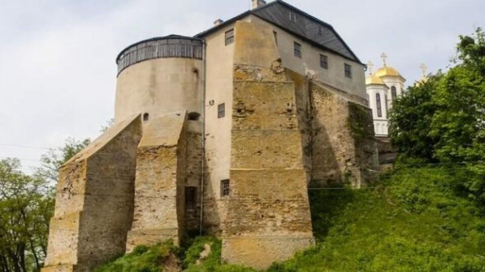 Острозький та Дубенський замки і Тараканівський форт обіцяють реставрувати у 2021-му