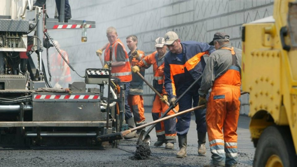 Ремонтують дорогу Луцьк–Ковель. Вартість робіт – 182 мільйони гривень. ФОТО