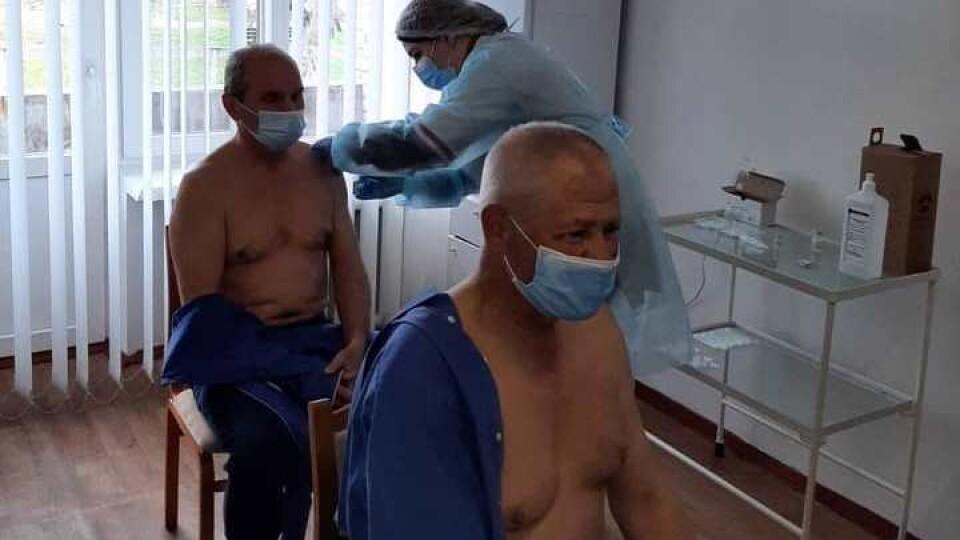 На Волині почали робити щеплення проти коронавірусу вакциною Pfizer