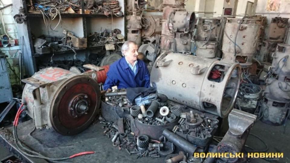 Від салону до мотору і кузова:  як у Луцьку ремонтують  «рогатих». ФОТО