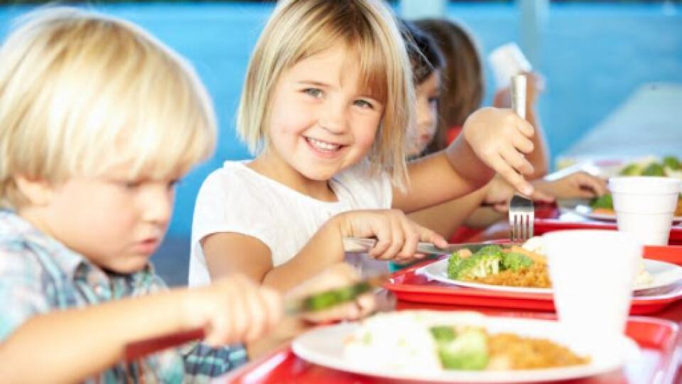 З вересня українських школярів харчуватимуть за новим меню