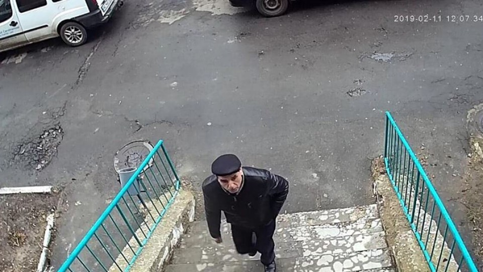 Лучан просять упізнати шахрая, який відібрав 20 тисяч гривень у жінки на візку. ФОТО