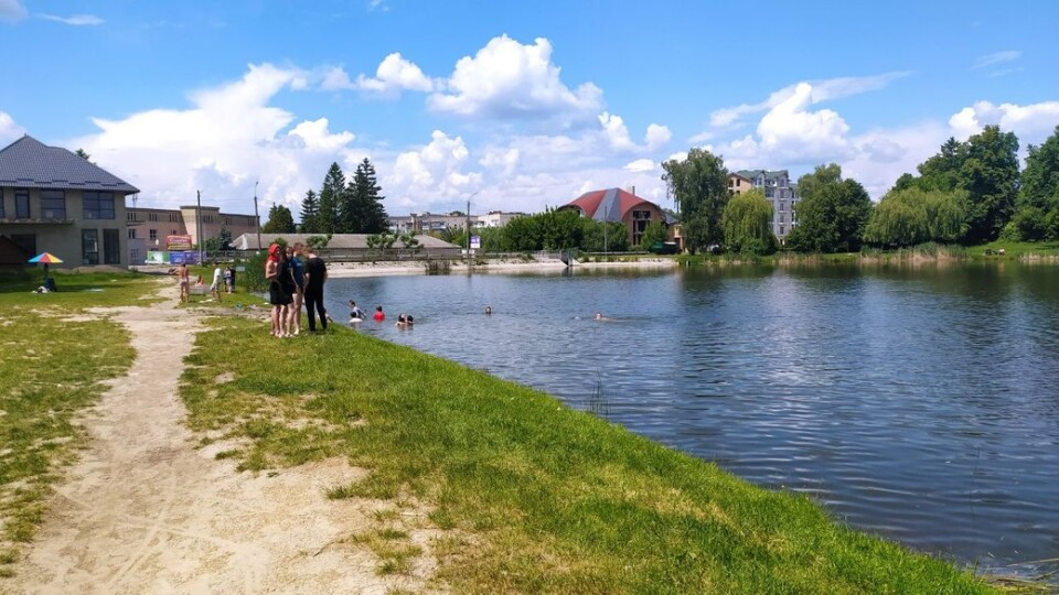 У Луцьку на Теремнівській водоймі знайшли кишкову паличку. Просять там не купатися