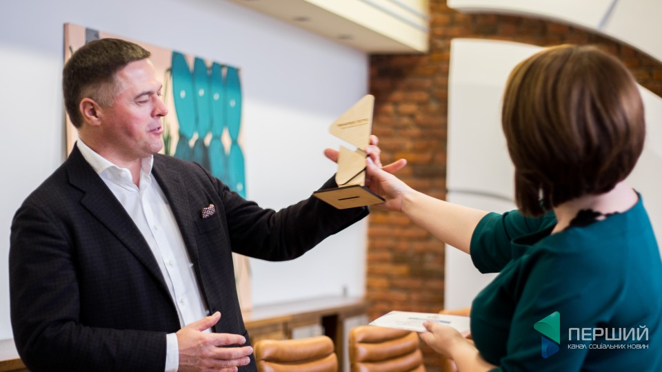 «Перший» привітав героя грудня – бізнесмена Петра Пилипюка. ФОТО