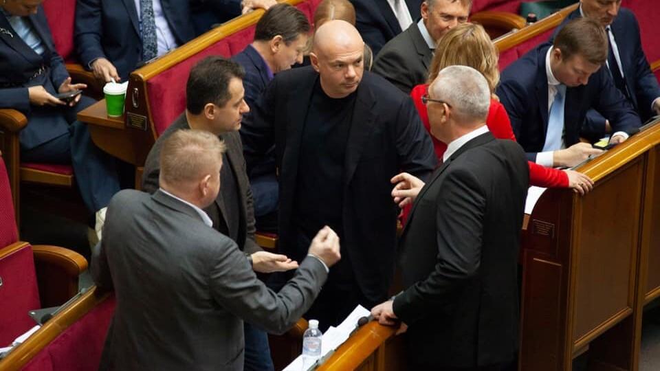 В Україні з'явилася нова партія. Її очолив Палиця