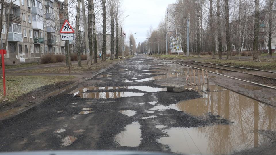 У Луцьку просять відремонтувати багатостраждальну вулицю