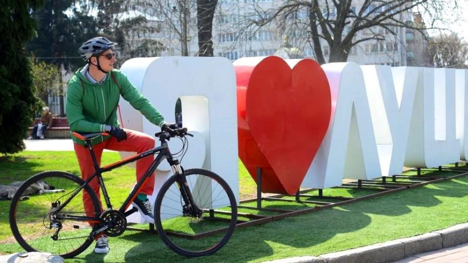 Чи зручно бути велосипедистом у Луцьку. ПРОСТІ ПИТАННЯ