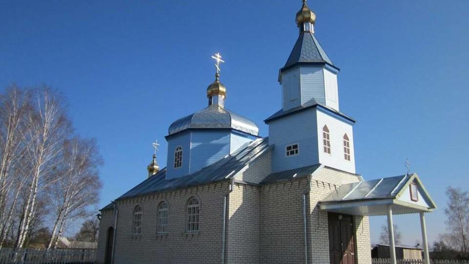 В УПЦ МП заявили, що на Волині прихильники нової церкви зрізали замки на храмі