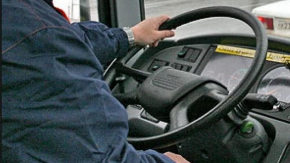 У Ковелі не можуть звільнити водія-хама, бо його нема ким замінити