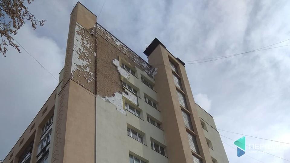 Фірма за свої гроші відновлюватиме фасад «Бім-Бома» в центрі Луцька. ФОТО