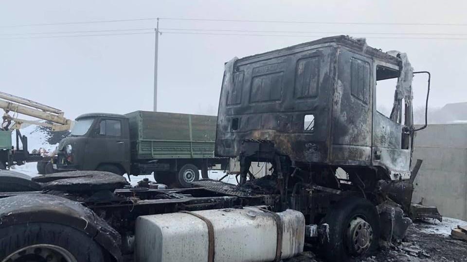 Спалили майно голови громади під Луцьком Юрія Семенюка. ФОТО