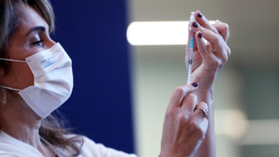 Понад 42 тисячі українців вакцинували за минулу добу від ковіду