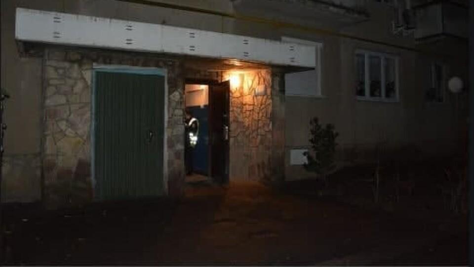 У Луцьку в підвалі багатоповерхівки знайшли мертвого чоловіка