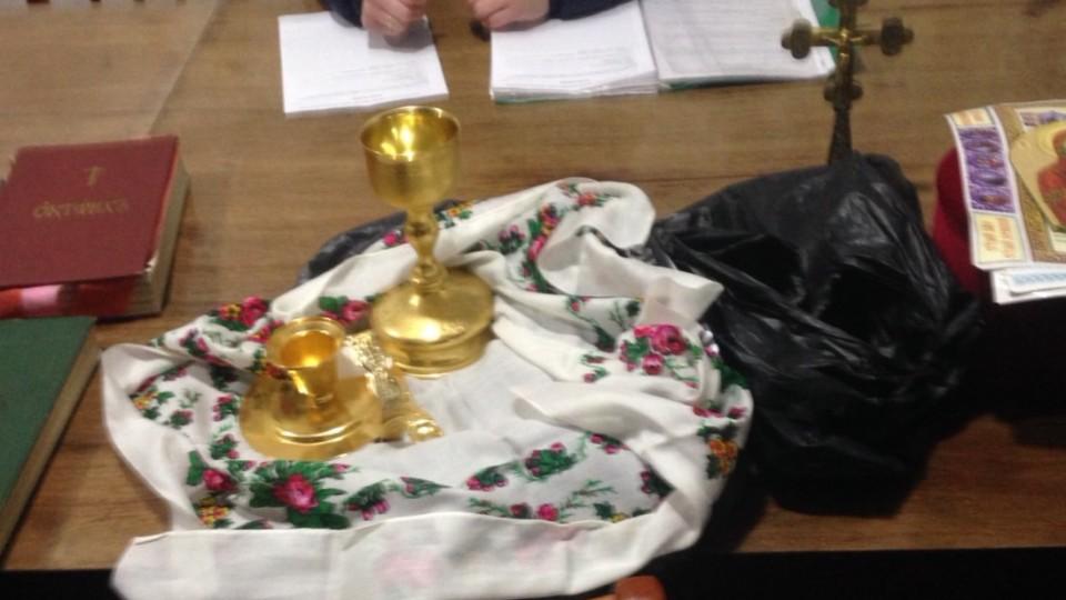 На Волині  священика МП звинувачують  в крадіжці з  храму, який перейшов в нову церкву. ФОТО