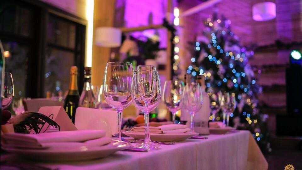 Ресторанам і кафе в новорічну ніч дозволили працювати до ранку