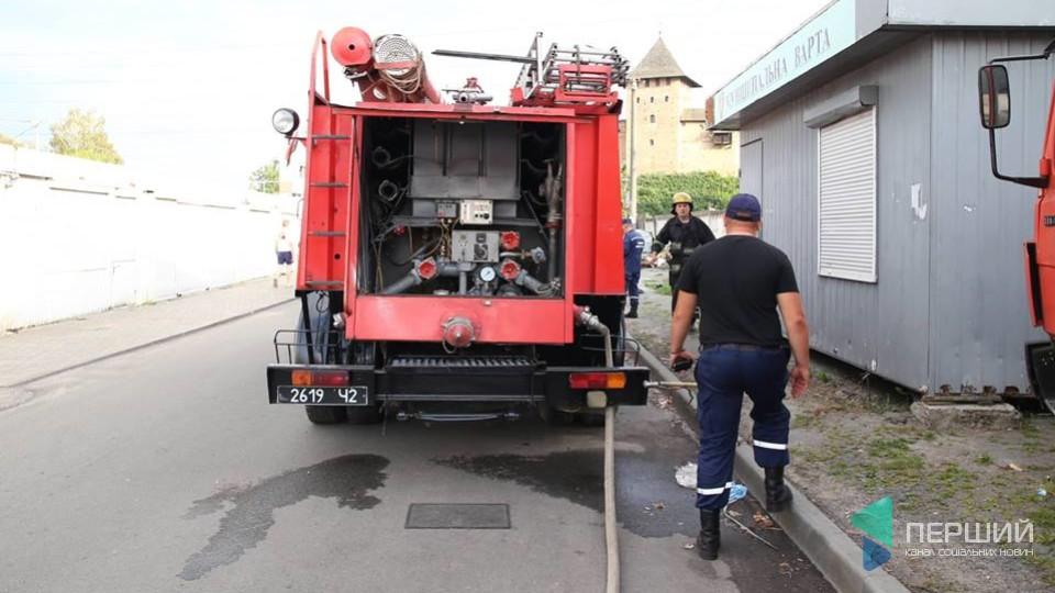 У Луцьку загасили пожежу на електропідстанції. ФОТО