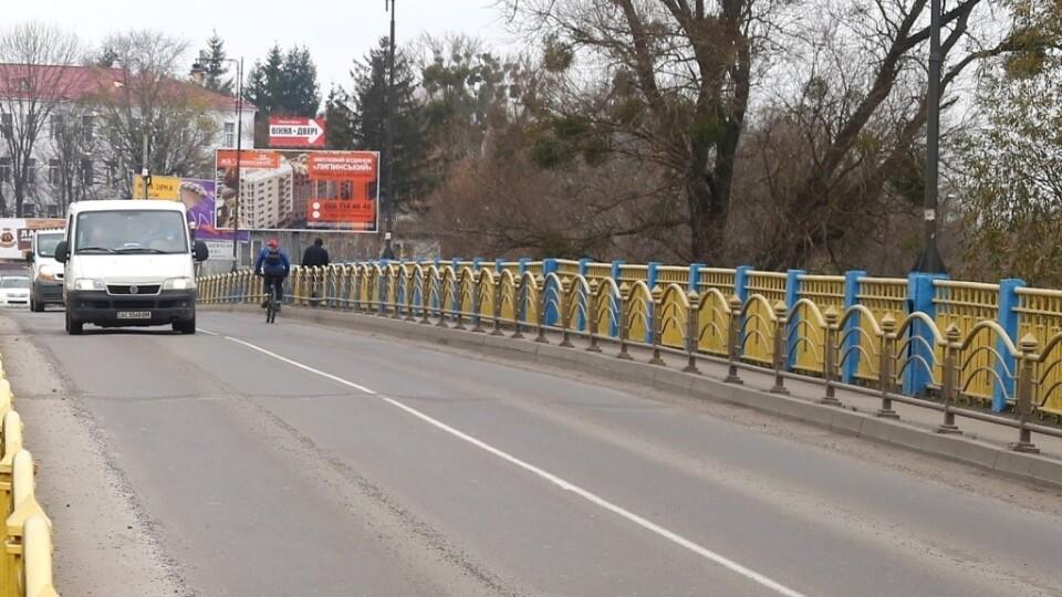 У Луцьку змінять схему руху через міст на Шевченка: буде три смуги