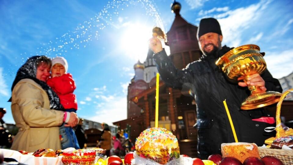 Більшість українців не планують йти до церкви на Великдень, - опитування