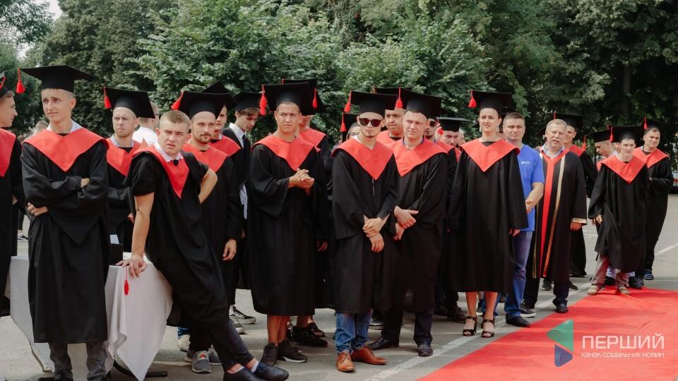 Більше трьох тисяч студентів ЛНТУ отримали дипломи бакалаврів. Фоторепортаж