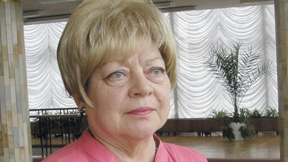 Порошенко призначив стипендії письменникові та артистці з Волині
