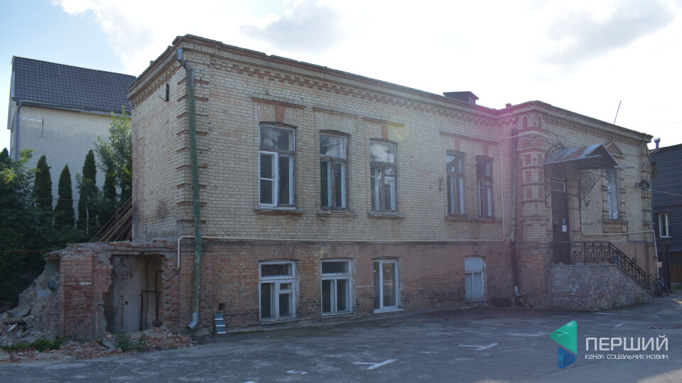 У Луцьку збережуть колишню гімназію на Гаврилюка. Який вигляд матиме і що каже власник