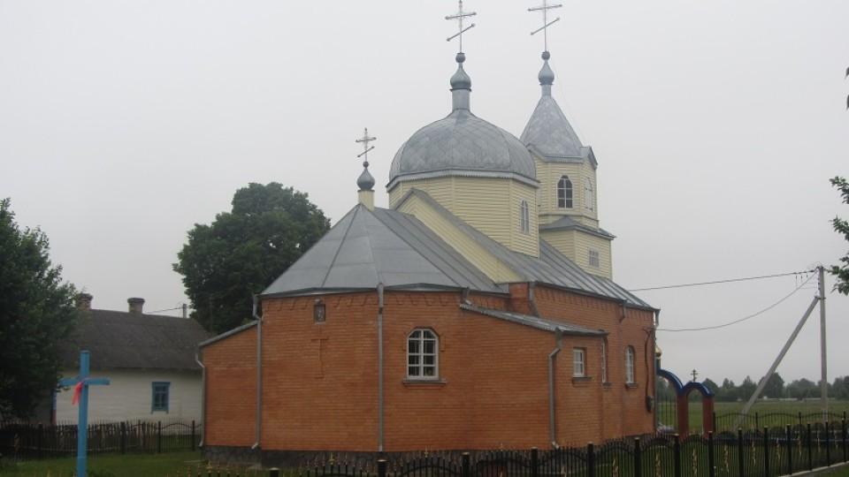 У Московському патріархаті заявляють про «безчинства» у волинському селі