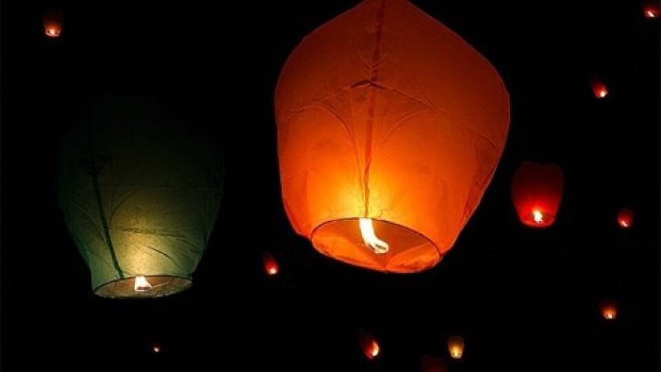 Підприємців Центрального ринку Луцька налякали небесні ліхтарики. Підозрюють спробу підпалу