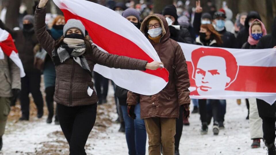 Розгони та затримання: в Білорусі не вщухають масові акції протестів