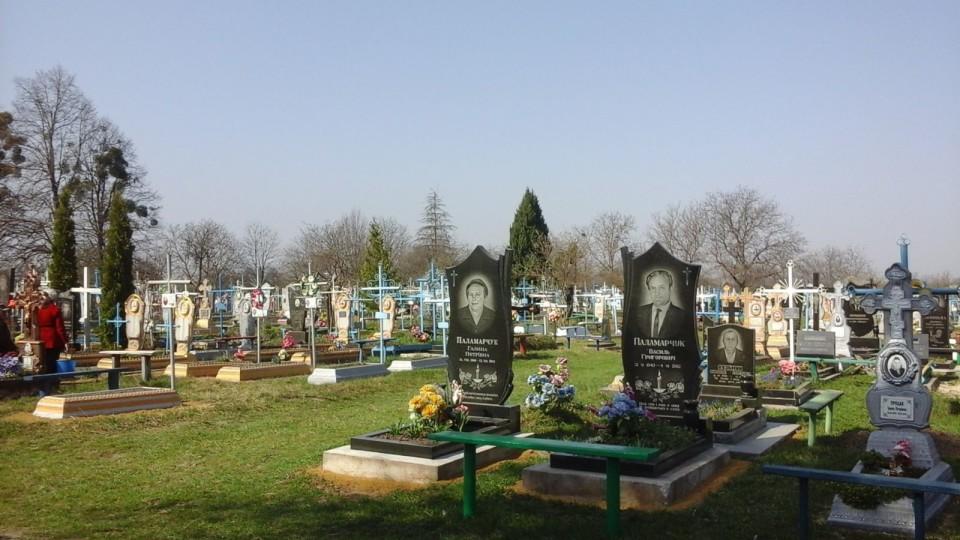 На Волині з кладовища вандали покрали пам'ятники