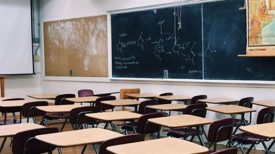МОН рекомендує школам йти на канікули вже з 15 жовтня