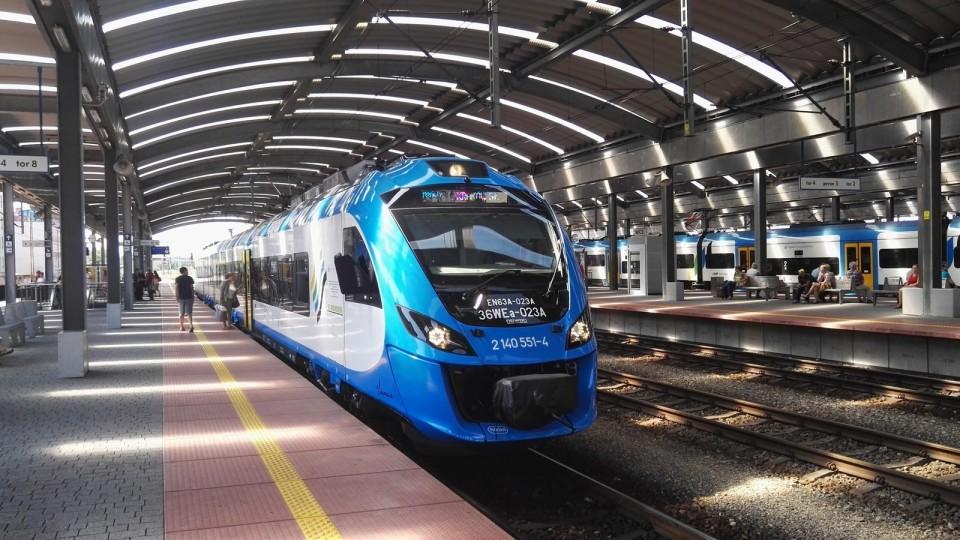 Відремонтували поїзд, який возив  українців до Польщі
