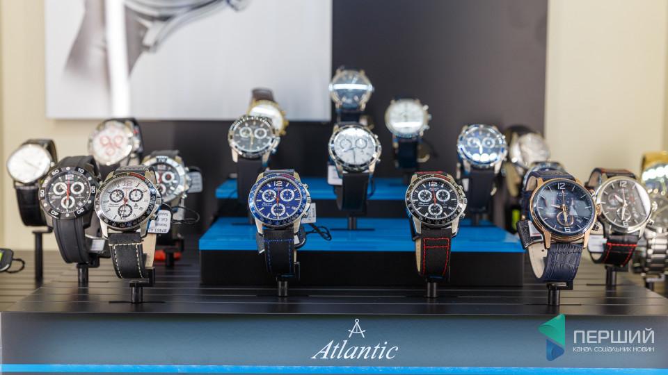 Стильно та престижно: у Луцьку можна придбати годинники відомих брендів світу