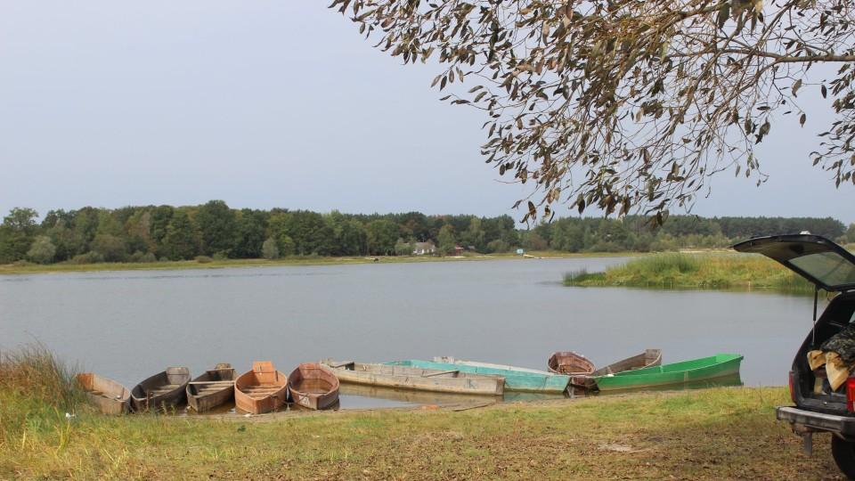 У заповіднику на Волині почистили береги озера. ФОТО