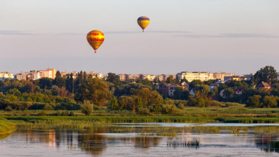 Катати на повітряних кулях в Луцьку будуть за 3000 гривень. Це – найдешевше в світі