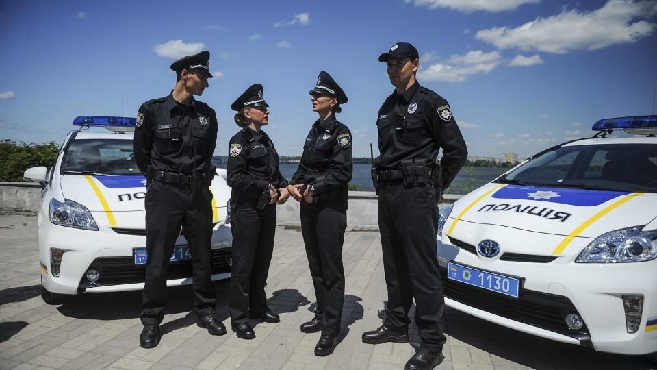 Волинян кличуть на роботу у  патрульну поліцію