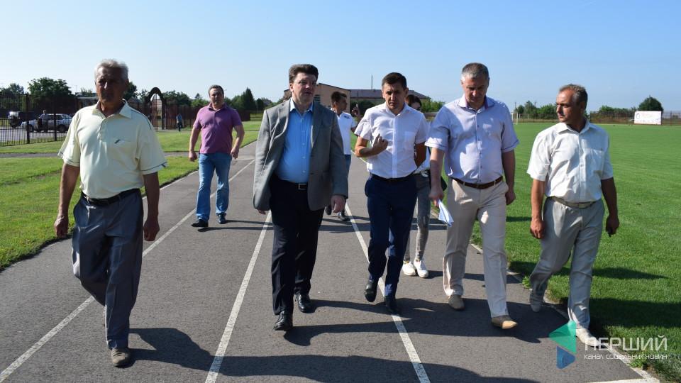 Відомо, що інспектував міністр молоді та спорту у селі під Луцьком. ФОТО