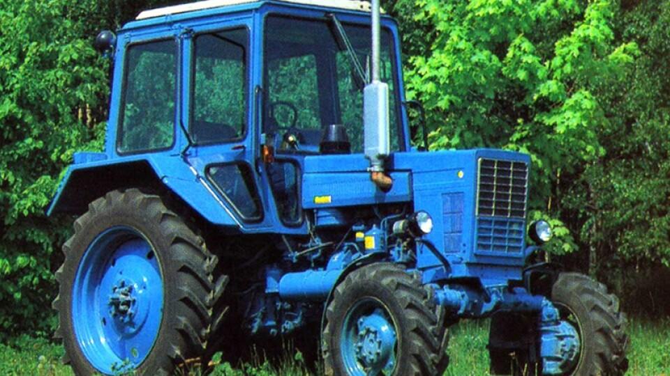 На Волині жінка загинула під колесами трактора