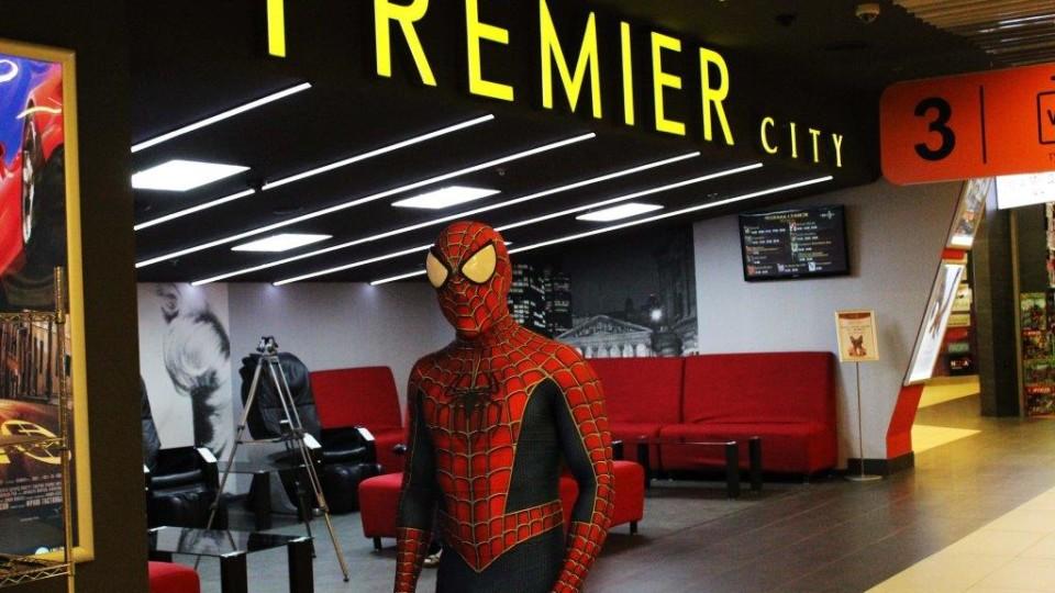Допрем'єра «Месників»: повний зал, усмішки та справжній Спайдермен