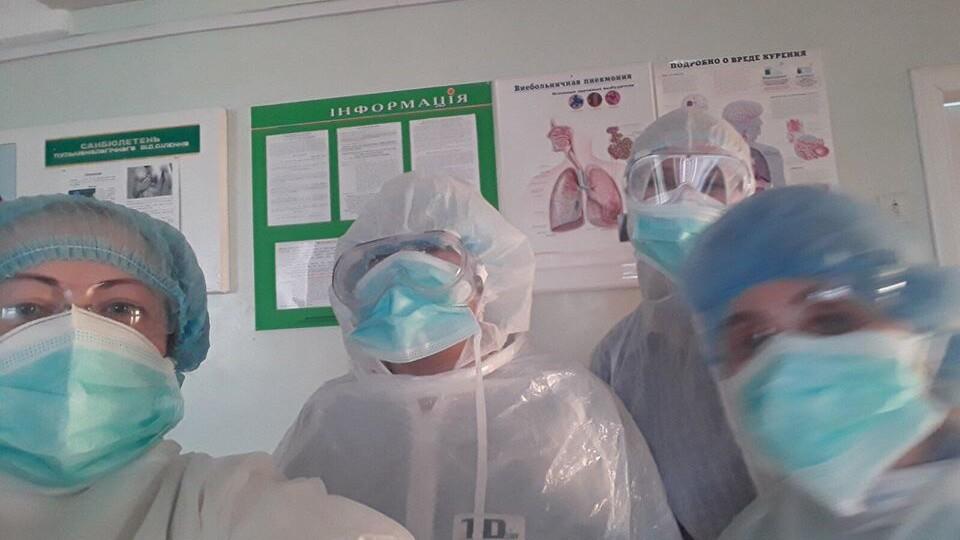 Скільки масок і захисних костюмів є в Луцькій міській лікарні