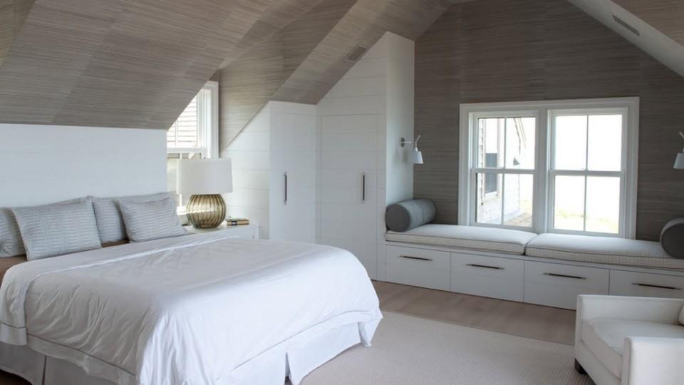 Квартира з похилою стелею: як стильно оформити мансарду