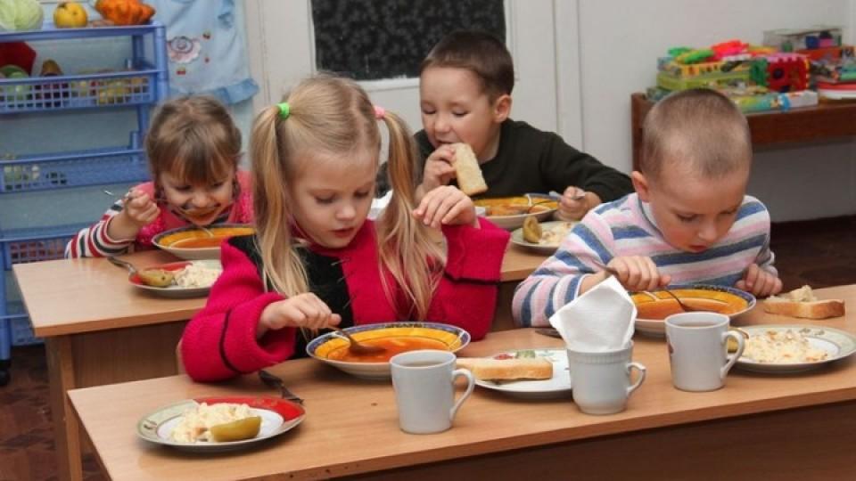 Сільські діти платитимуть більше за харчування у луцьких школах і садках