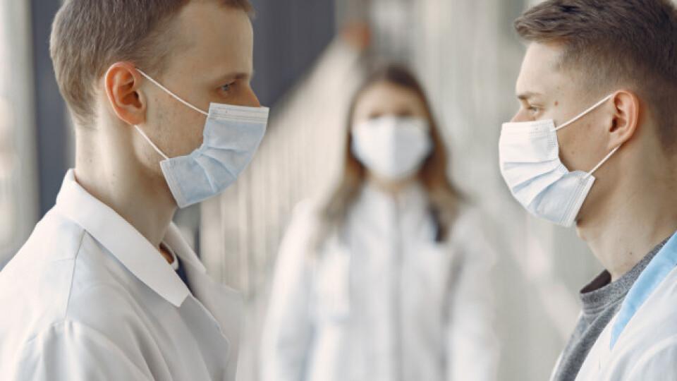 В Україні до лікування хворих на коронавірус хочуть залучати студентів-медиків
