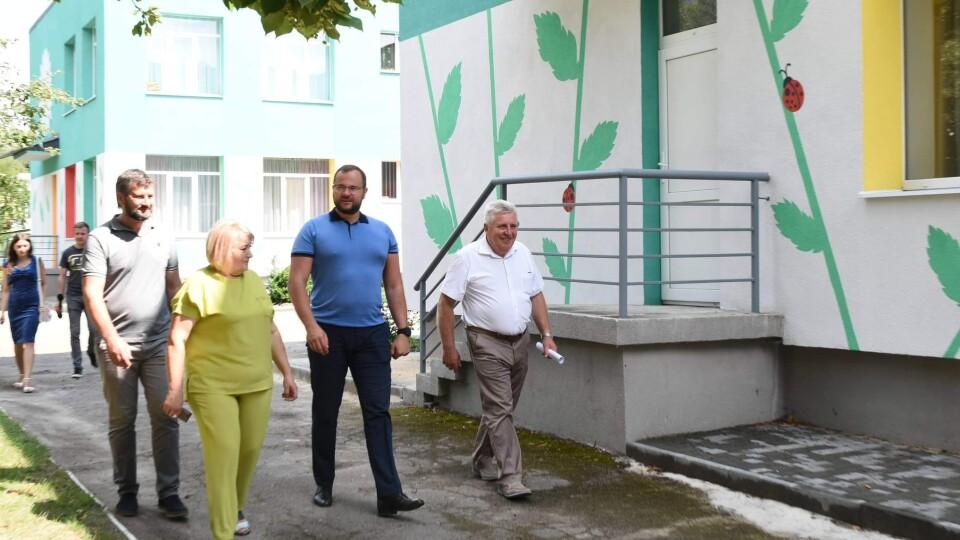 Партнери з НЕФКО захоплені модернізованими фасадами освітніх закладів Луцька, – Поліщук