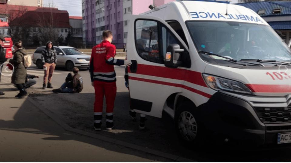 У Луцьку автомобіль збив на переході двох дітей