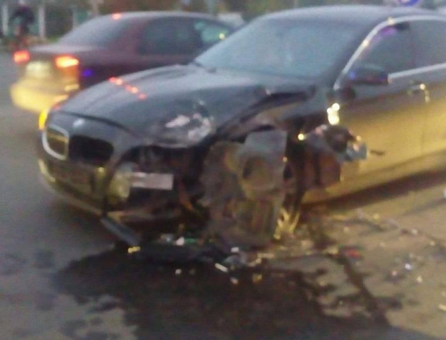У Луцьку не розминулися BMW та Mercedes. ФОТО